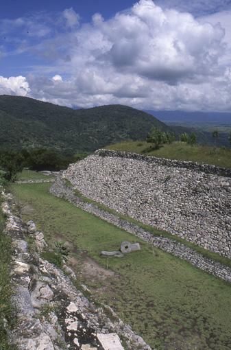 Xochicalco zona arqueologica Juego de pelota norte