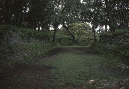 Zona arqueologica de Toluquilla